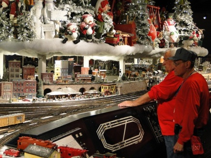 Holiday Junction Featuring the Duke Energy Holiday Trains, Nov. 8, 2013 - Jan. 5, 2014 ~ the details: http://www.cincymuseum.org/holiday/duke-energy-holiday-trains